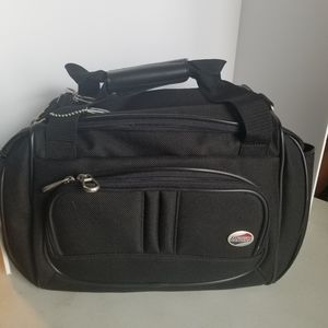 American tourister shoulder duffle bag